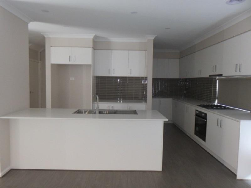 18 Marwick Street, Carrum Downs - House for Rent in Carrum Downs