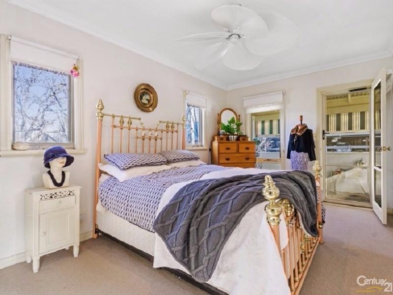 5 Gordon Street, Mornington - House for Sale in Mornington