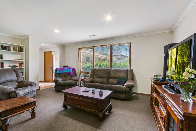 6 Diana Court, Langwarrin - House for Sale in Langwarrin