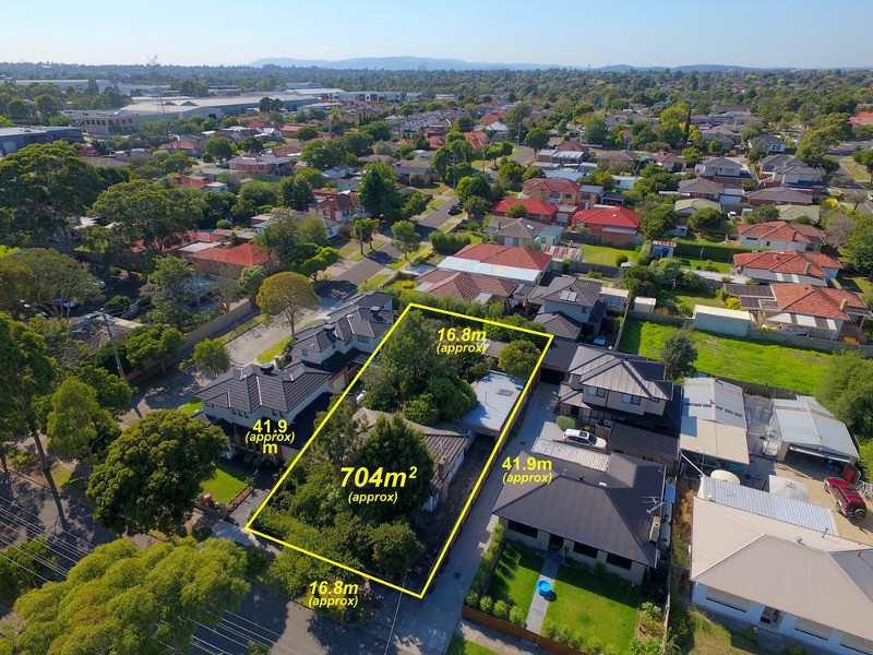 8 Kalimna Ave, Mulgrave - House for Sale in Mulgrave