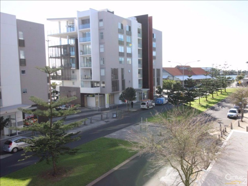 209/4 Honeysuckle Drive, Newcastle - Apartment for Rent in Newcastle