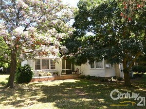 CENTURY 21 Rich River Real Estate Property of the week