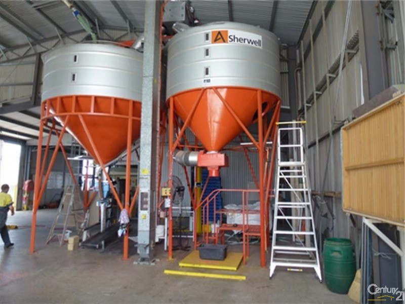 RH Silos built specifically for filling 1,000kg bulka bags. - 0 Superior Seed Co. Barham Rd, Deniliquin - Rural Property for Sale in Deniliquin