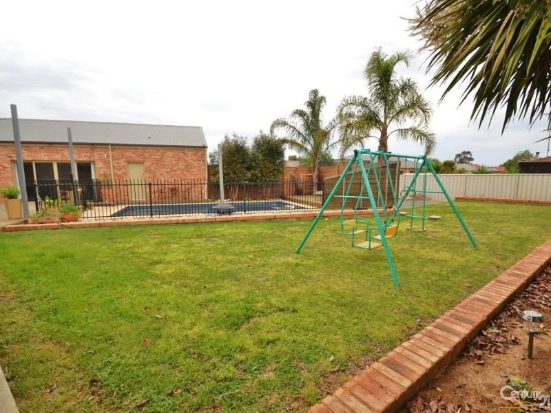 10 Kinross Court, Moama - House for Sale in Moama
