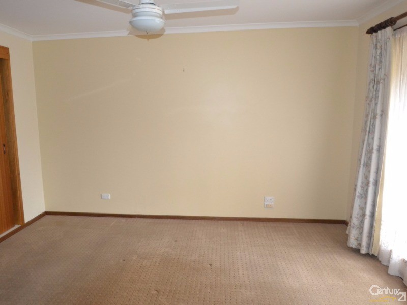 12 Lachlan Crescent, Echuca - House for Rent in Echuca