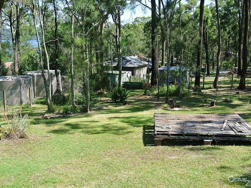 The yard with views to the water - 7 Central Ave, Bundabah - House for Sale in Bundabah