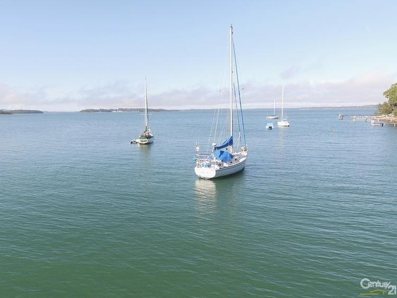 Ground floor foreshore view toward Soldiers Point - 44 Point Ct, North Arm Cove - House for Sale in North Arm Cove