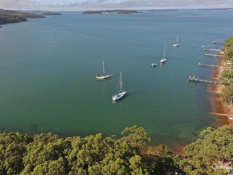High Views over house to Soldiers Pt and beyond - 44 Point Ct, North Arm Cove - House for Sale in North Arm Cove