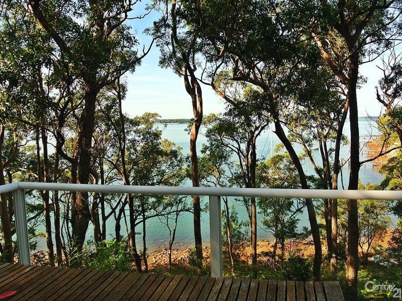 Balcony Views - 44 Point Ct, North Arm Cove - House for Sale in North Arm Cove
