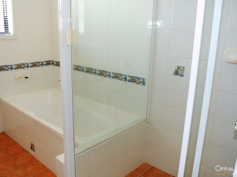 Family bathroom with separate shower & bath tub - 4 Fidden Place, Tea Gardens - House for Sale in Tea Gardens