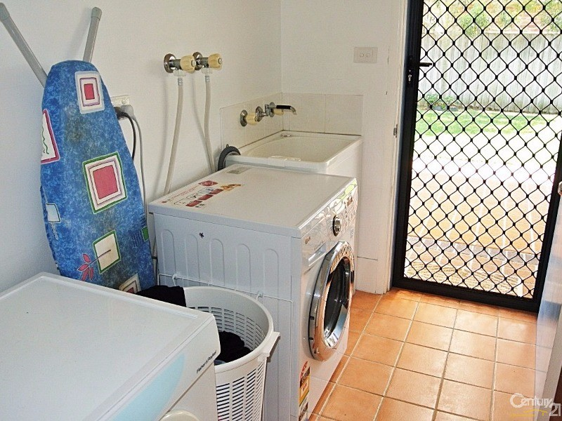 Laundry to Hills Hoist - 4 Fidden Place, Tea Gardens - House for Sale in Tea Gardens