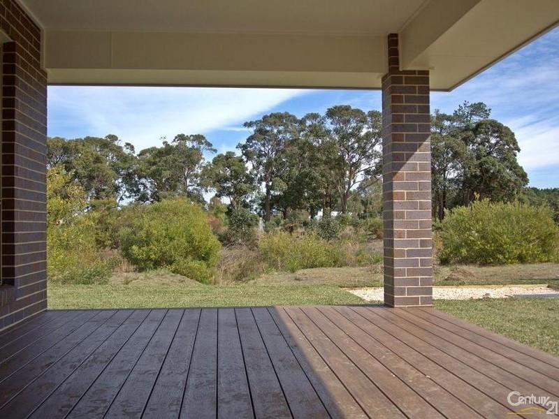 Alfresco dining overlooking the waterway & reserve - 25 Leeward Ct, Tea Gardens - House for Sale in Tea Gardens