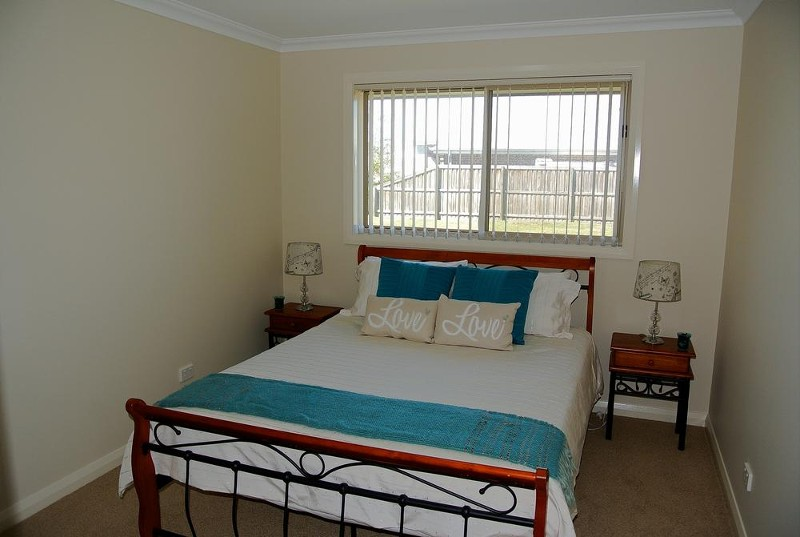All bedrooms are spacious - 25 Leeward Ct, Tea Gardens - House for Sale in Tea Gardens