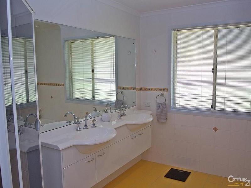 Main Bath also has double vanity - 5 Kooraru Close, Tea Gardens - House & Land for Sale in Tea Gardens