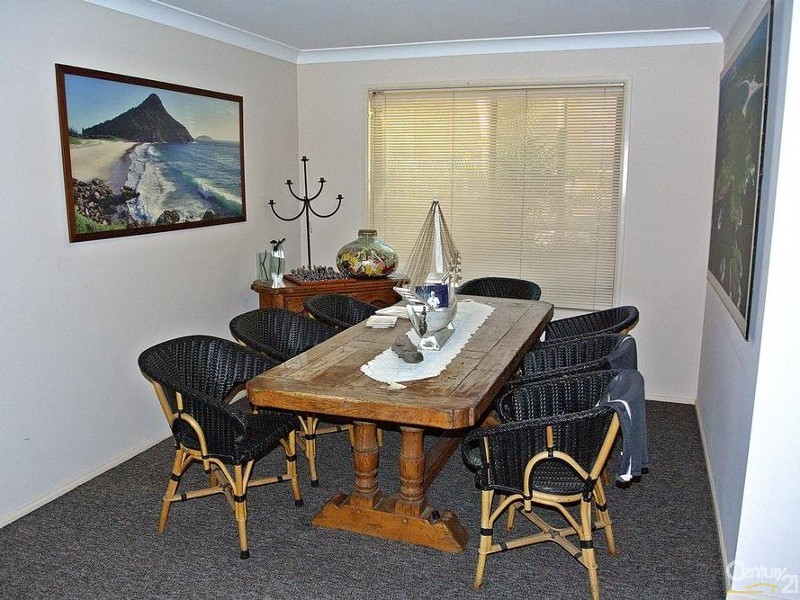 FORMAL DINING ROOM - 56 Eastslope Way, North Arm Cove - House for Sale in North Arm Cove