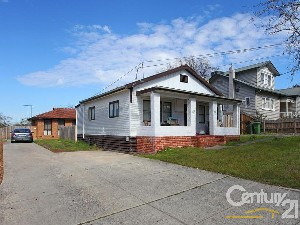 CENTURY 21 Unlimited Property of the week