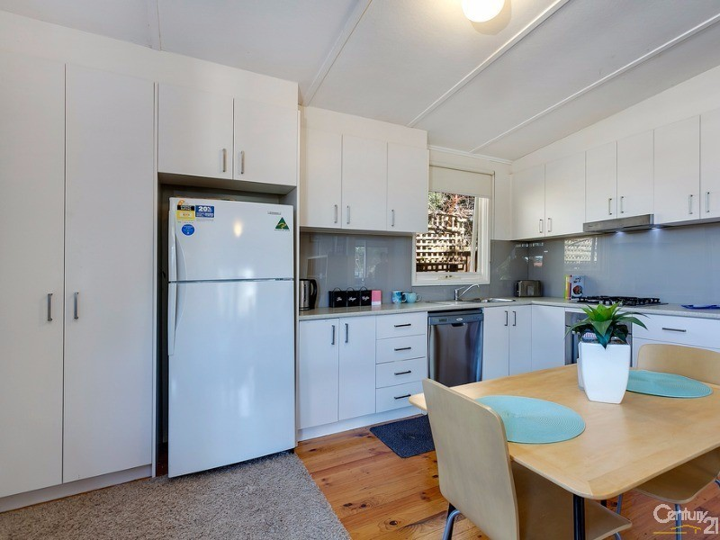 Kitchen - 48 Ireland Street, Ringwood - House for Sale in Ringwood