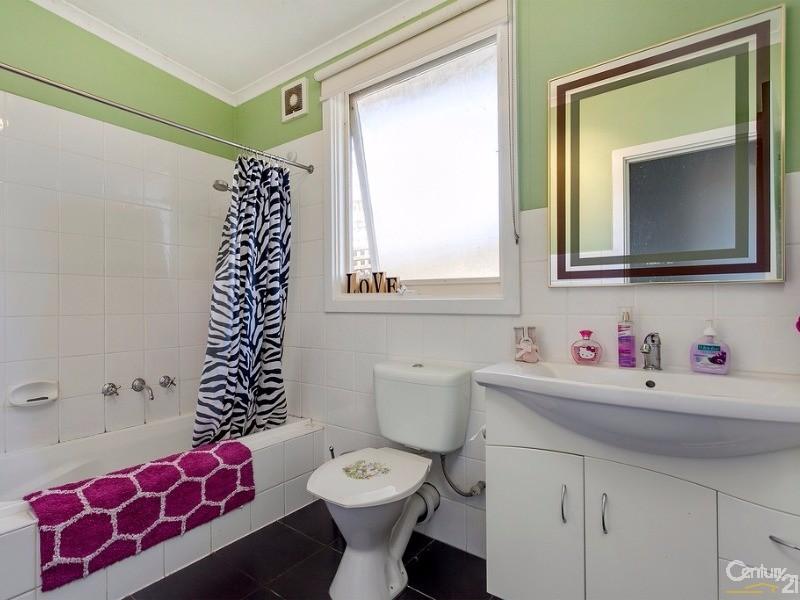 Bathroom - 48 Ireland Street, Ringwood - House for Sale in Ringwood