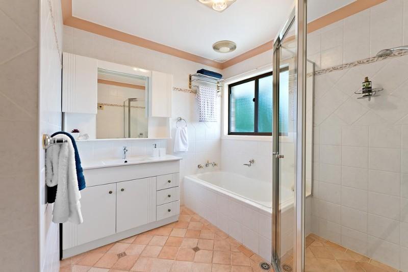 5 parkside drive sandringham nsw 2219 396730 century for Parkside guest house bath