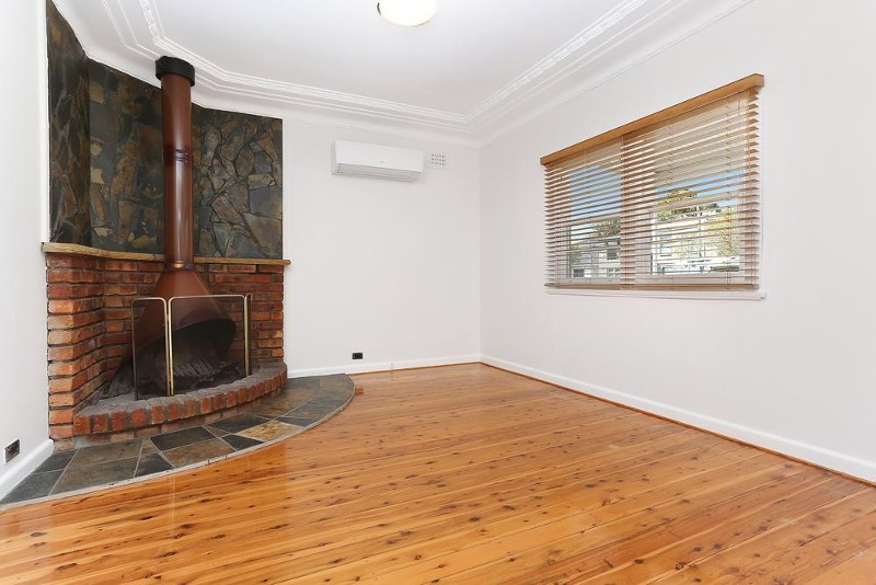 8 Beaconsfield Road, Mortdale - House for Rent in Mortdale