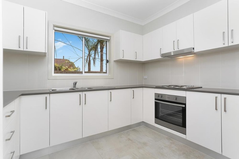 8A Beaconsfield Road, Mortdale - House for Rent in Mortdale