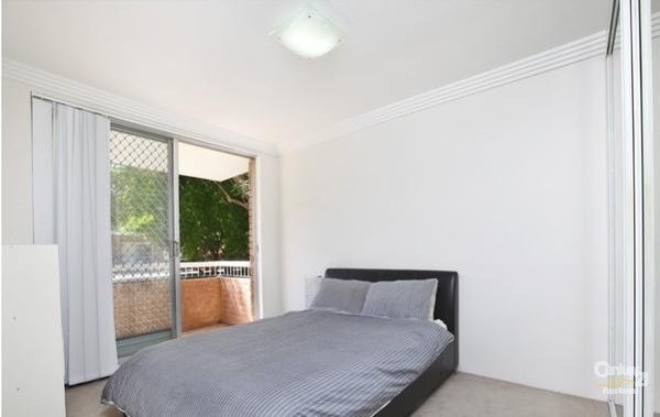 Main Bedroom - 23 Gordon Street, Brighton-Le-Sands - Unit for Rent in Brighton Le Sands