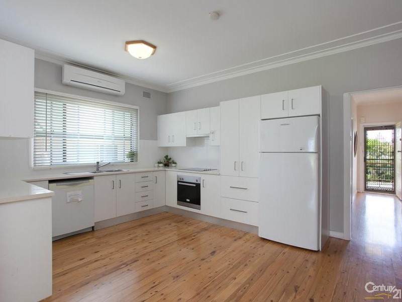 House - Kitchen - 60/ 60A James Street, Charlestown - House for Sale in Charlestown