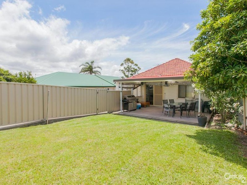 House - Yard - 60/ 60A James Street, Charlestown - House for Sale in Charlestown