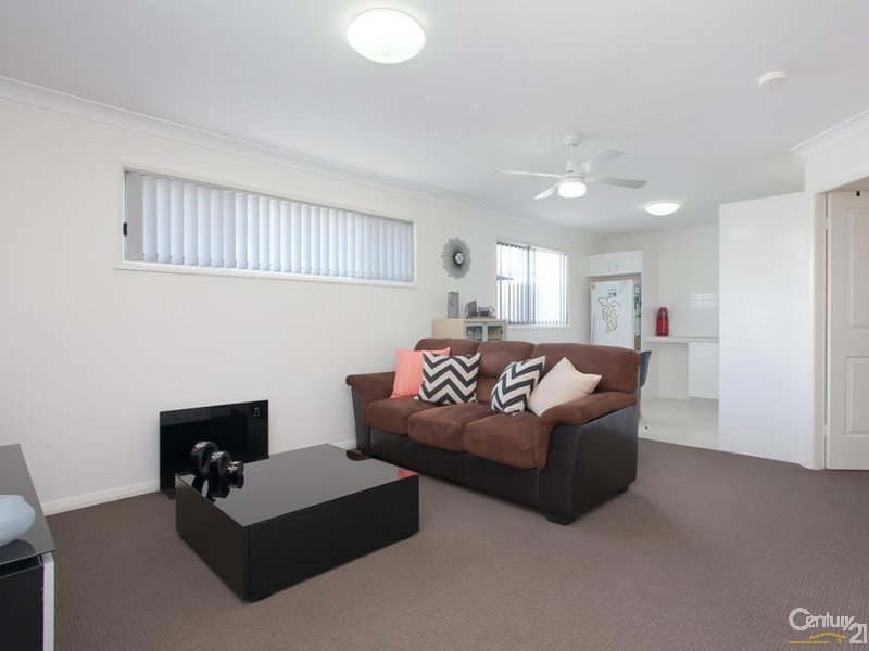 Flat - living room - 60/ 60A James Street, Charlestown - House for Sale in Charlestown