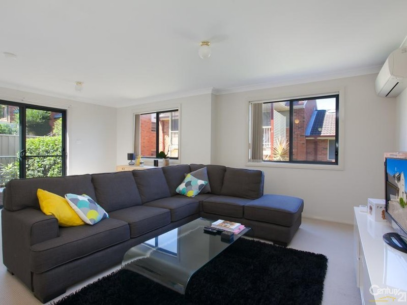 Lounge - 31/9 Hutton Street, Charlestown - Townhouse for Sale in Charlestown