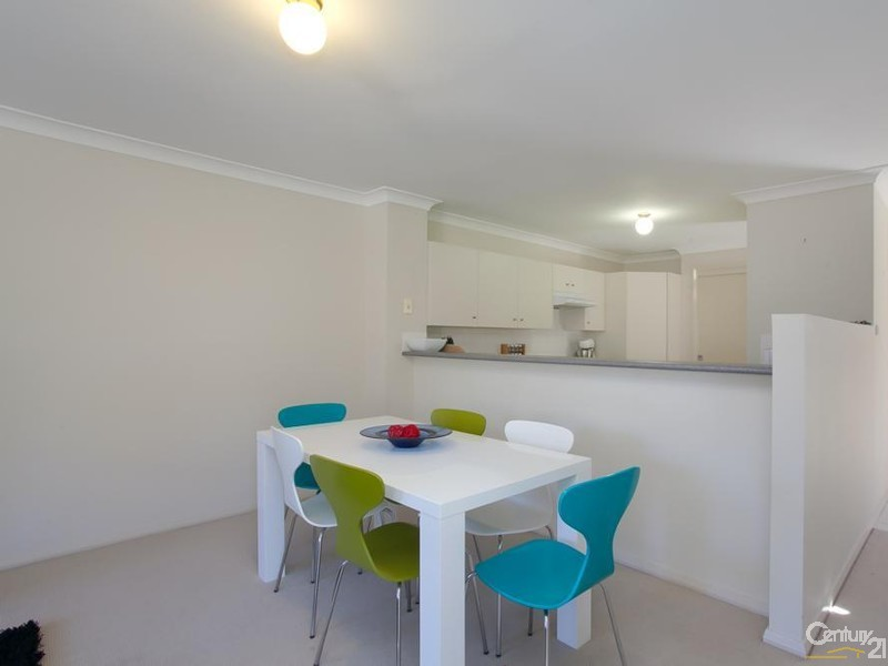 Dining - 31/9 Hutton Street, Charlestown - Townhouse for Sale in Charlestown