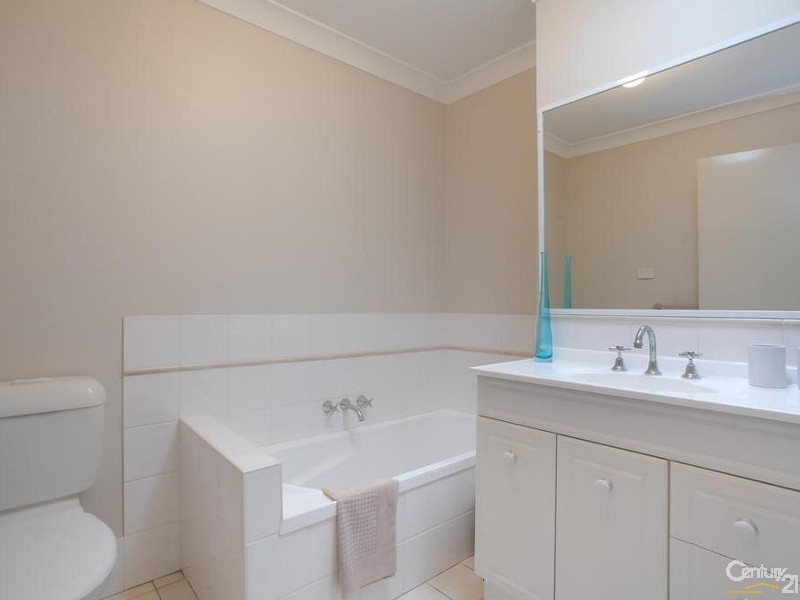 Main Bathroom - 31/9 Hutton Street, Charlestown - Townhouse for Sale in Charlestown