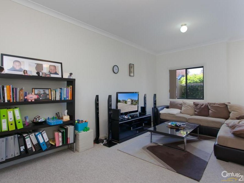 Lounge room - 28/9 Hutton Street, Charlestown - Townhouse for Sale in Charlestown