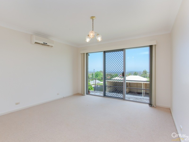 Lounge - 1/4A Lees Street, Charlestown - Unit for Sale in Charlestown