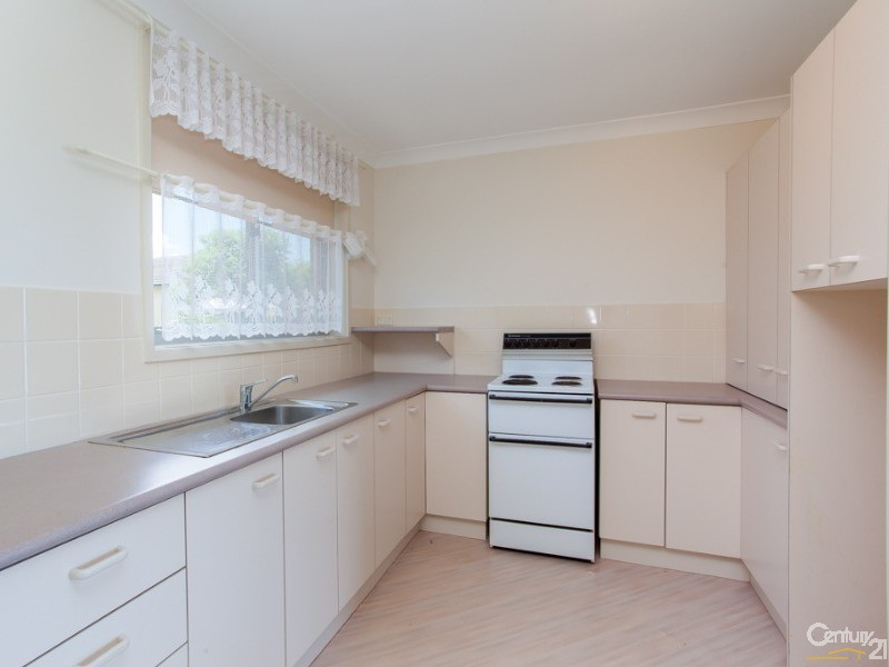 Kitchen - 1/4A Lees Street, Charlestown - Unit for Sale in Charlestown