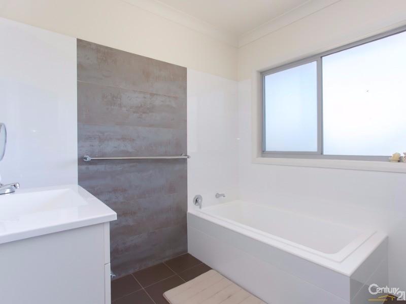 Bathroom - 2/95 Rae Crescent, Kotara - Townhouse for Sale in Kotara