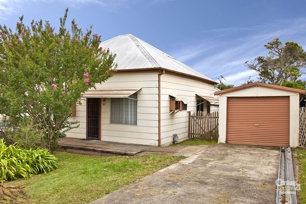 Front Of House - 67 Fletcher Street, Edgeworth - House for Sale in Edgeworth