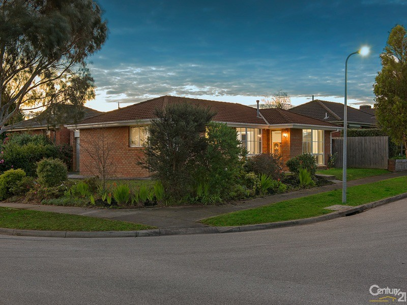 38 Pentland Drive, Narre Warren - House for Sale in Narre Warren