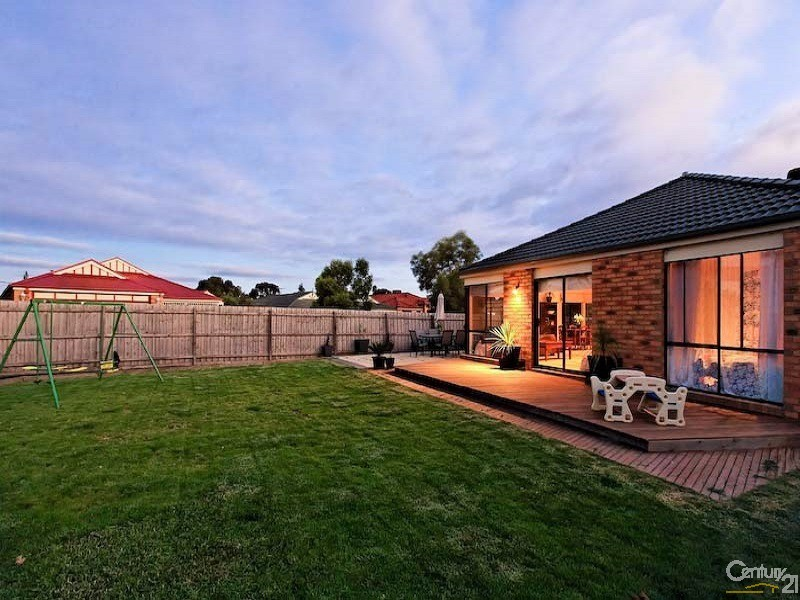 23 Charles Conder Place, Berwick - House for Rent in Berwick