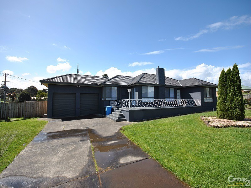 2 Crawley Road, Narre Warren North - House for Rent in Narre Warren North