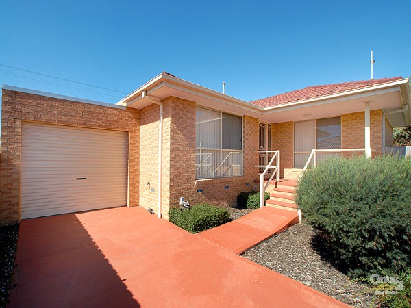 2/27 Oliver Court, Narre Warren South - Apartment for Sale in Narre Warren South