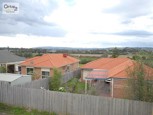 House for Sale in Narre Warren South VIC 3805