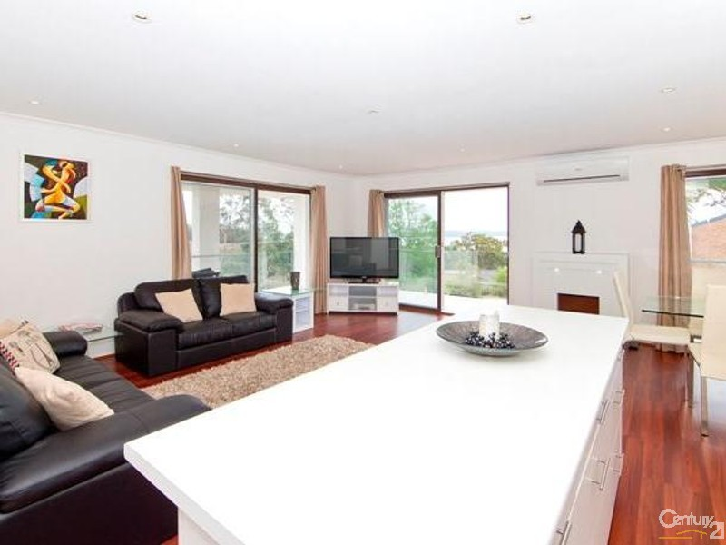 45 Wallawa Road, Nelson Bay - Holiday House Rental in Nelson Bay