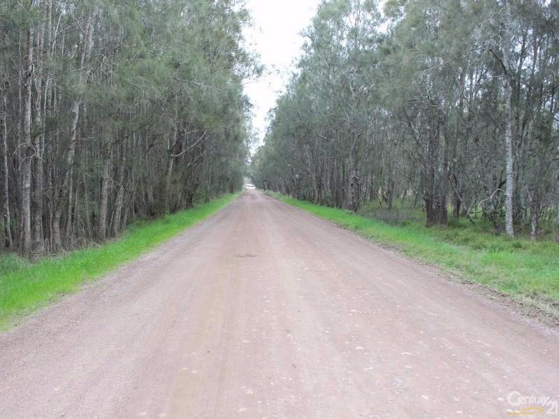10 Upton Lane, Bobs Farm - Land for Sale in Bobs Farm