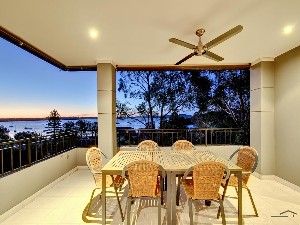 CENTURY 21 Paradise Waters Property of the week