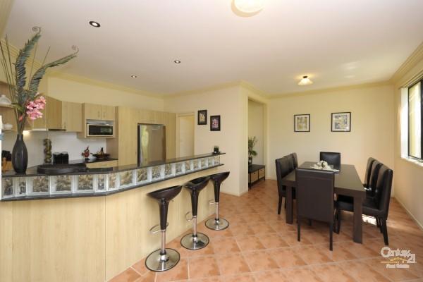 1/139 Bagnall Beach Road, Corlette - Holiday Duplex Rental in Corlette