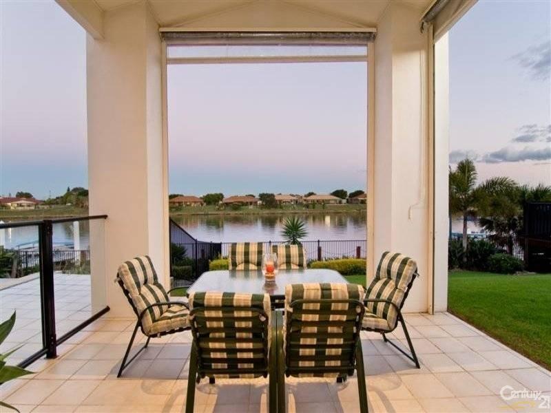 16 Bahamas Circuit, Kawana Island - House for Sale in Kawana Island