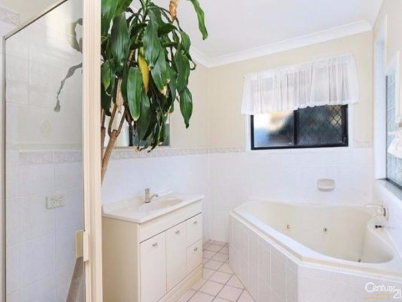 132 Tepequar Drive, Maroochydore - House for Rent in Maroochydore