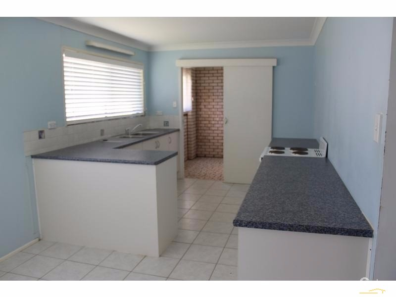 3 Sutherland Street, Dicky Beach - House for Rent in Dicky Beach