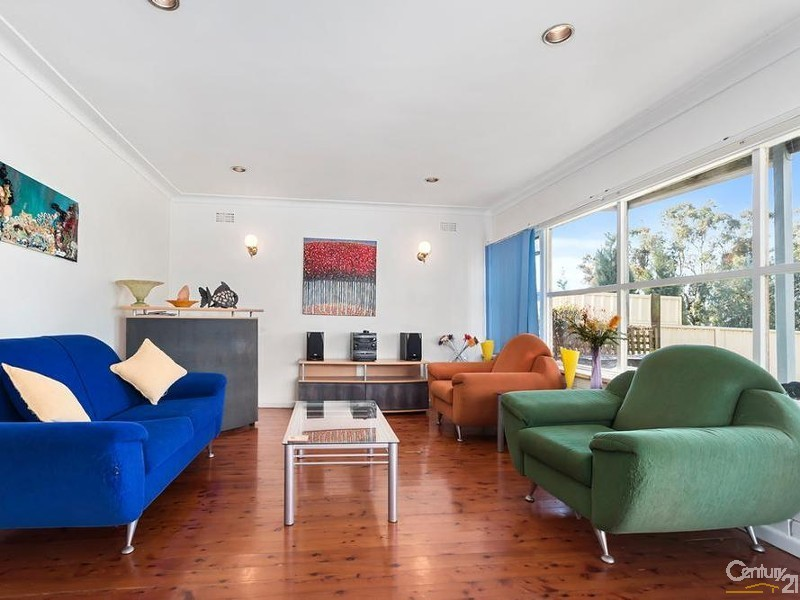 34 Twenty Second Avenue, West Hoxton - House for Sale in West Hoxton